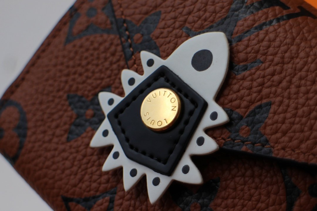 LV  Crafty 配饰、皮具和成衣系列推出特别款 Pochette Félicie 链条包M69511(图5)