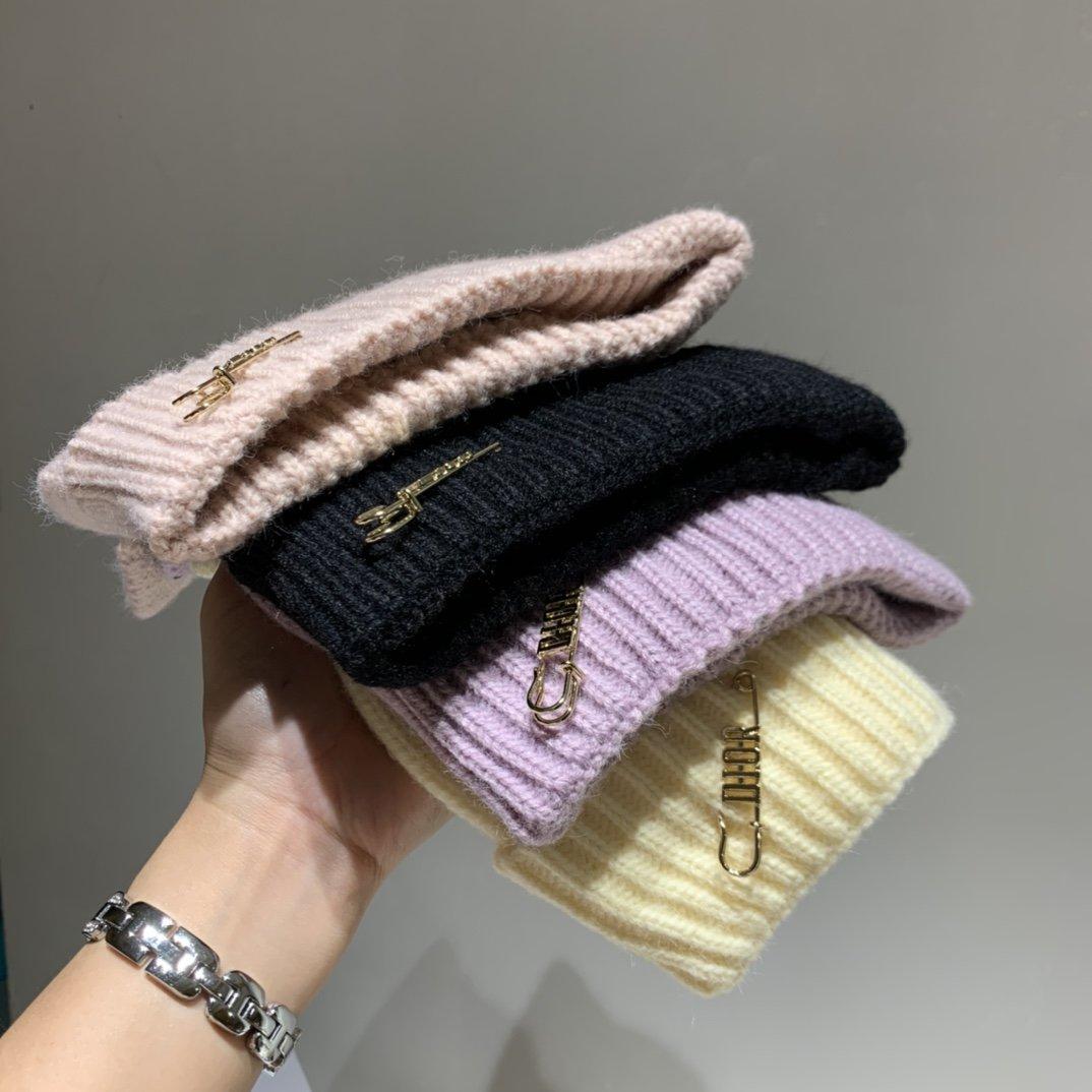 Dior迪奥针织帽晴纶面料猫咪毛线帽