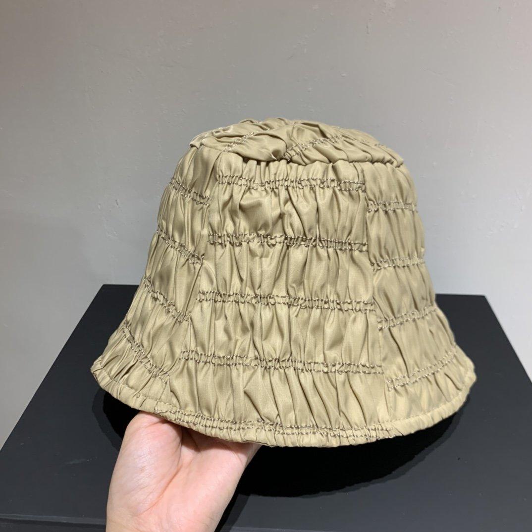 PRADA普拉达新款渔夫帽2020秋