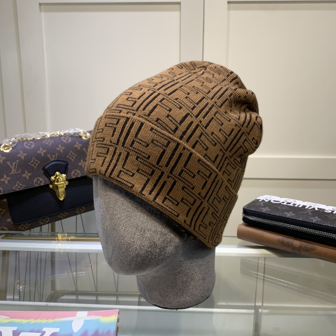 芬迪FENDI针织帽羊绒材质官网热卖