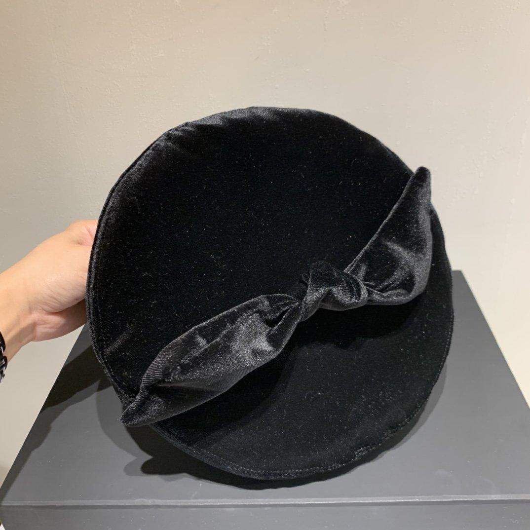 miumiu缪缪贝蕾帽灯芯绒贝蕾帽头
