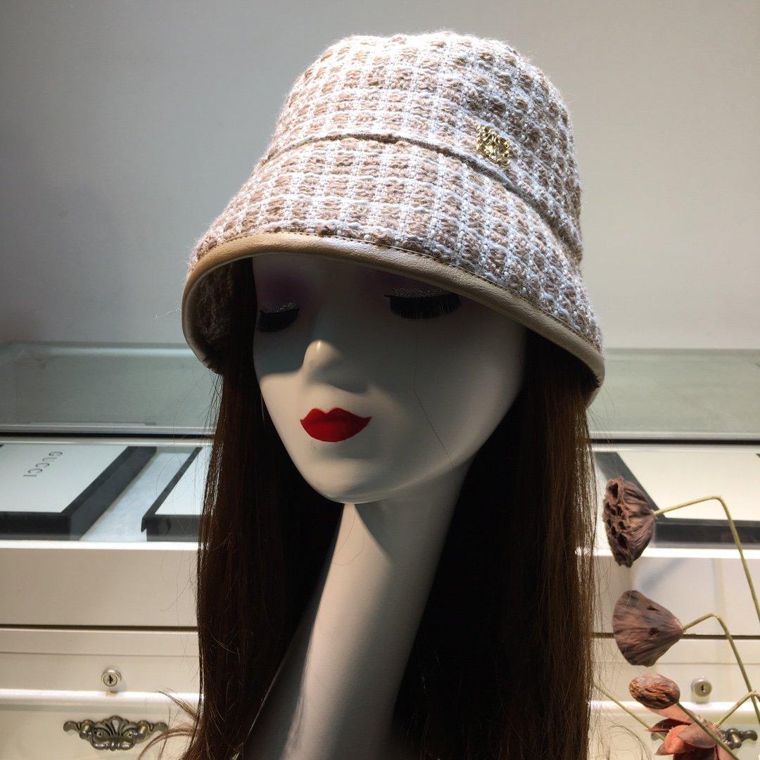 上新罗意威loewe新品渔夫帽甜美可