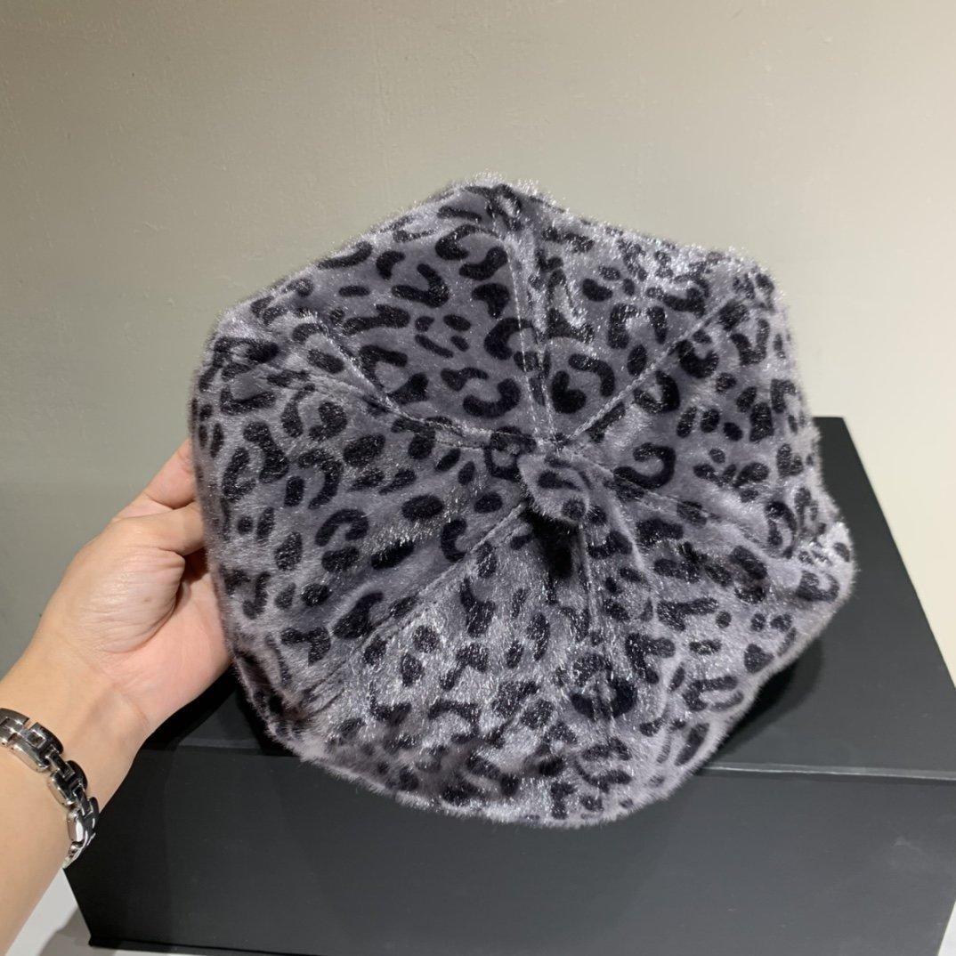 Chanel香奈儿豹纹新款贝蕾帽羊毛