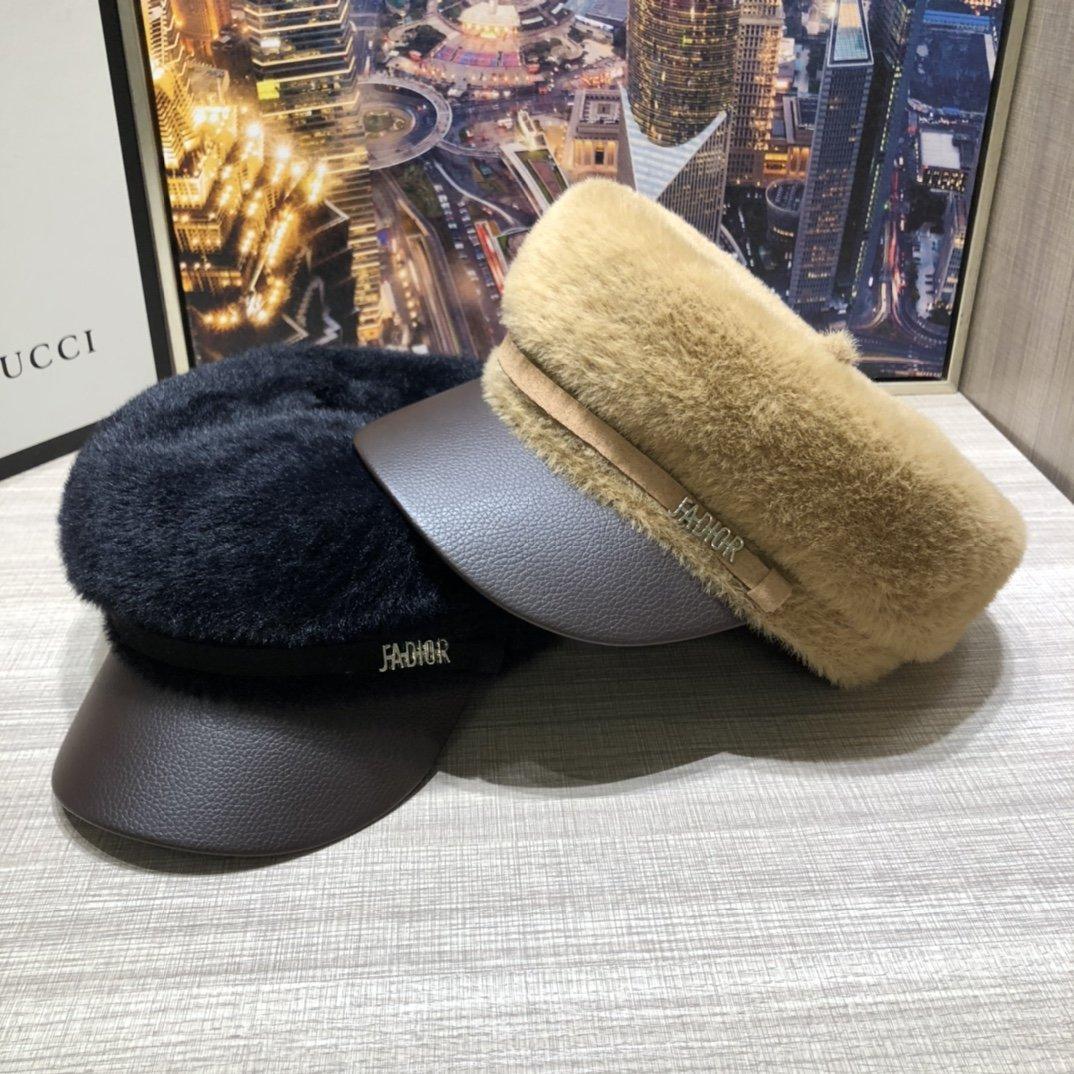 Dior迪奥新款军帽上新水豹绒皮鸭舌