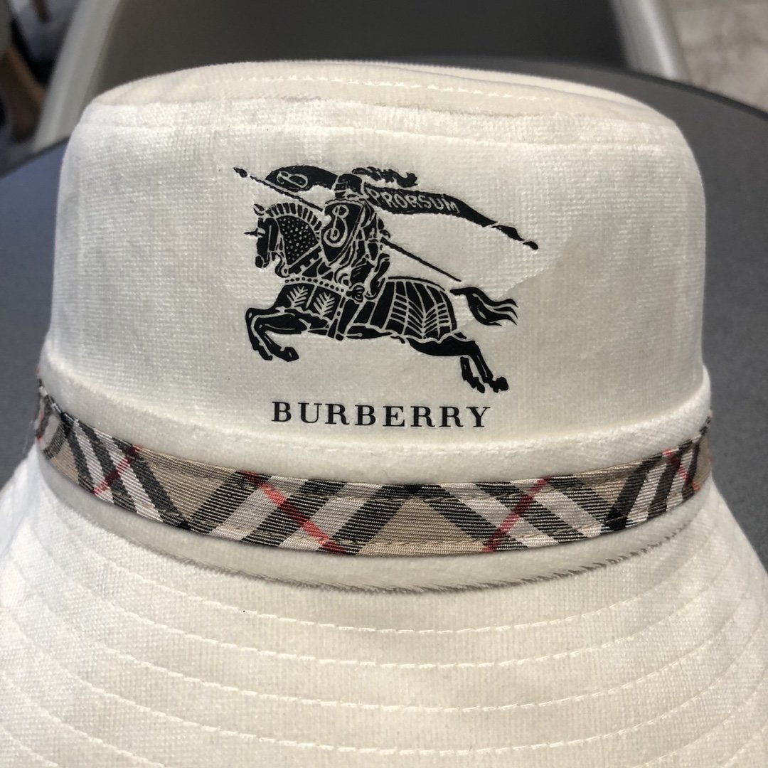 巴宝莉Burberry秋冬款最新款渔