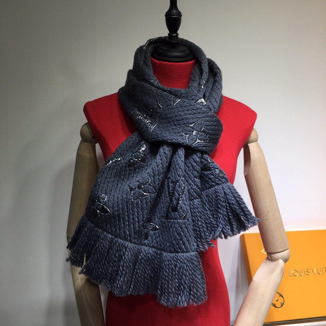 LV路易威登新款针织金银字系列小围巾