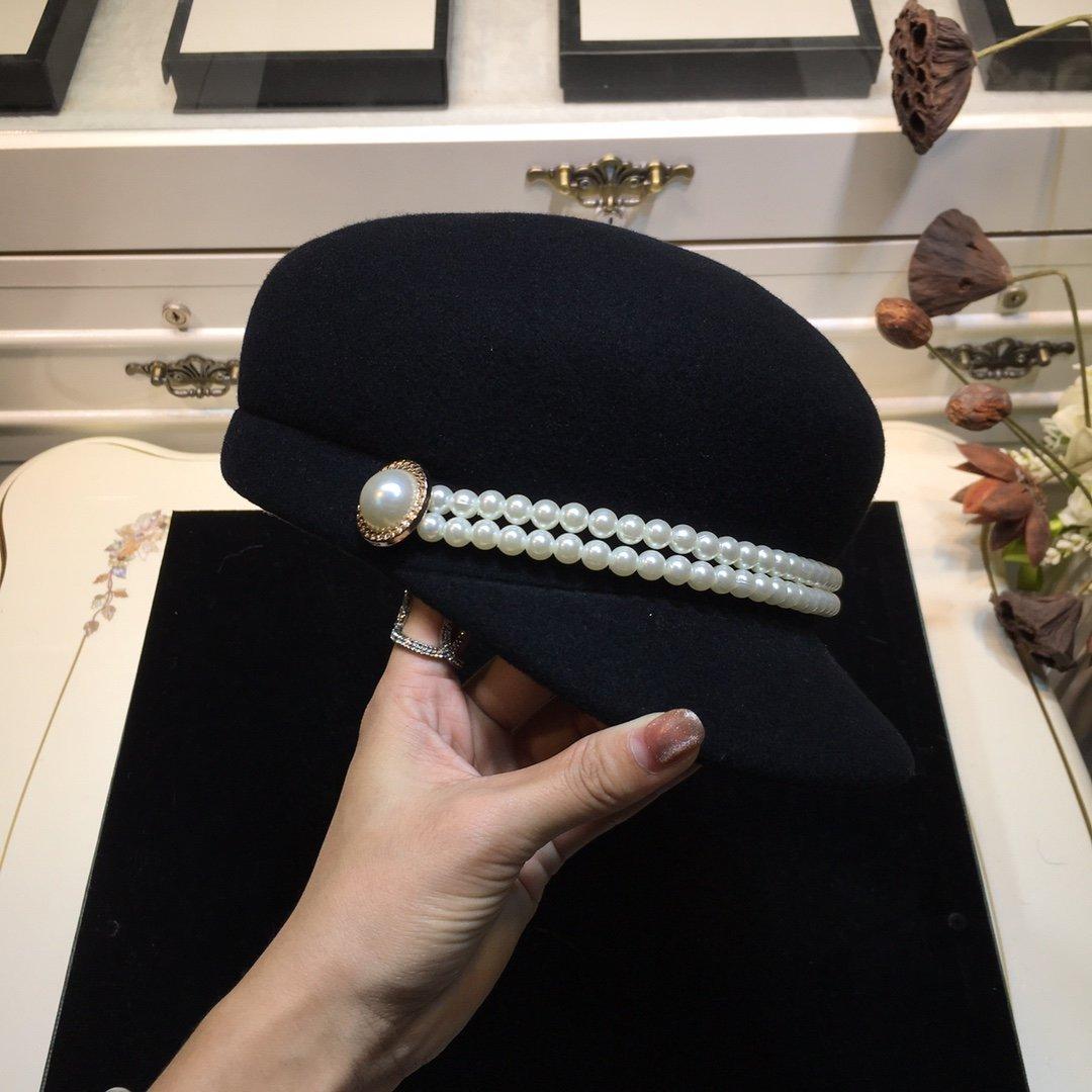 圣罗兰YSL秋冬走秀骑士帽珍珠链条点