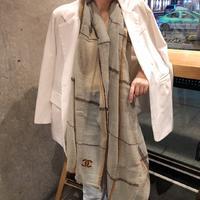 ?千呼万唤始出来❗️低调的奢侈感❗️Chanel极品柔美精英高手级别的时髦感围巾❗️这款Chanel羊绒围巾,...