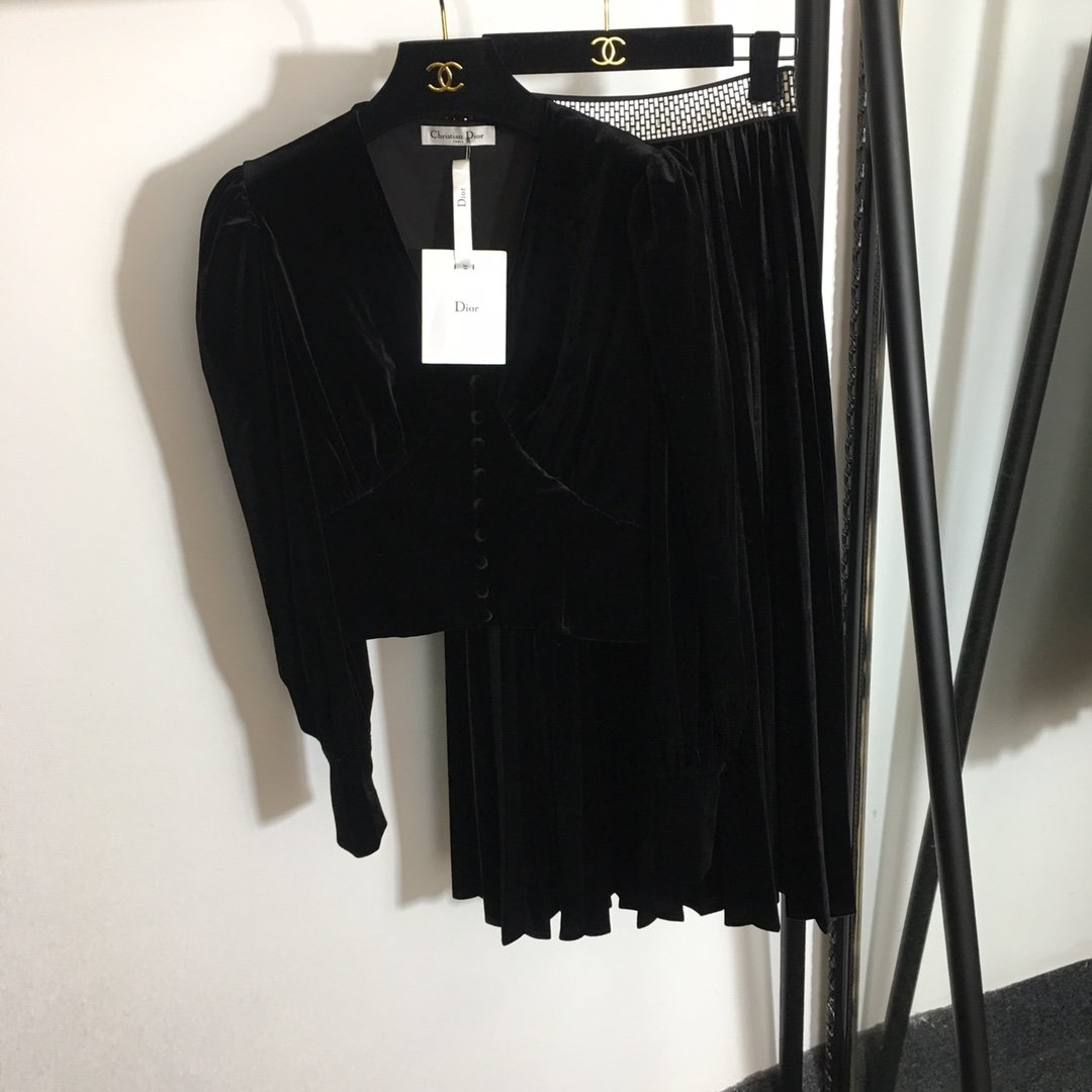Dior新款泡泡公主袖气质V领短款上