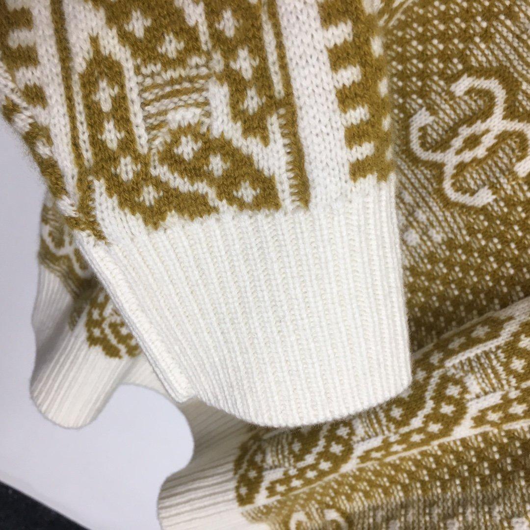 Chanel新款小香风V领套头毛衣羊