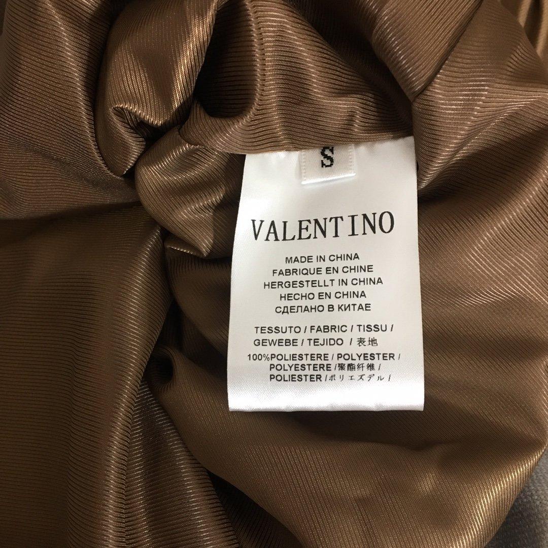 Valentino新款时尚双排扣收腰