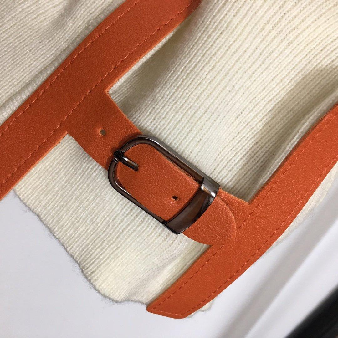 Hermes新款H腰扣小羊皮扣V领针