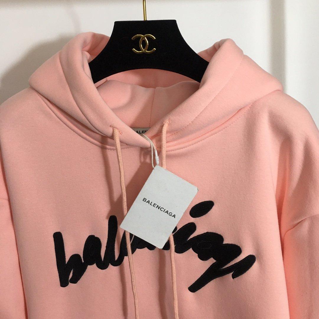 Balenciaga新款logo刺绣
