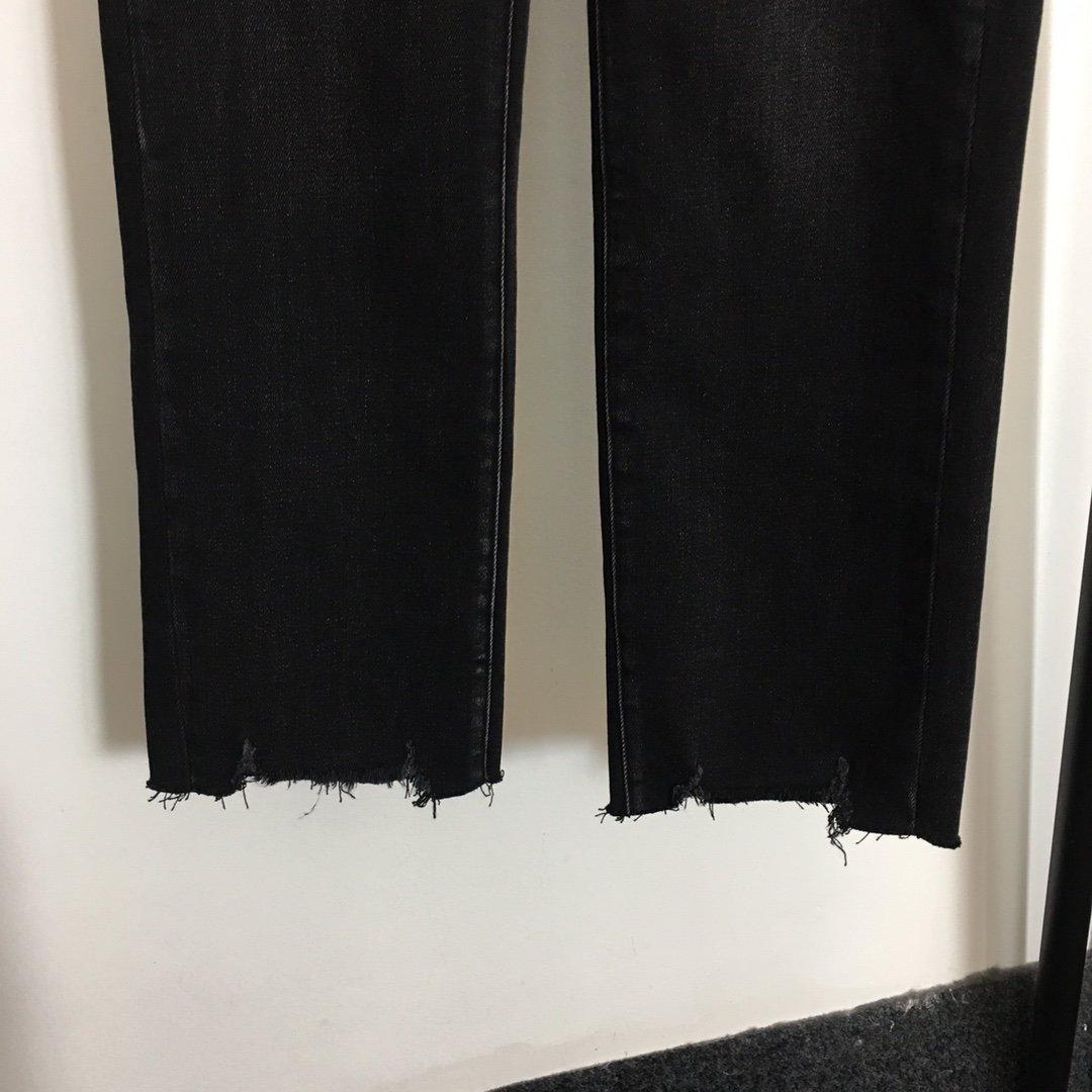 Loewe新款后背logo刺绣口袋高