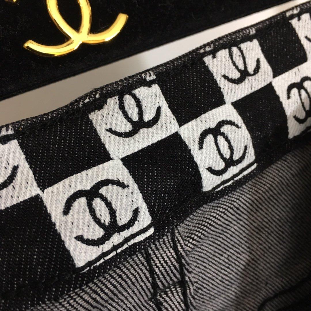 Chanel新款小香刺绣时尚开叉裤脚