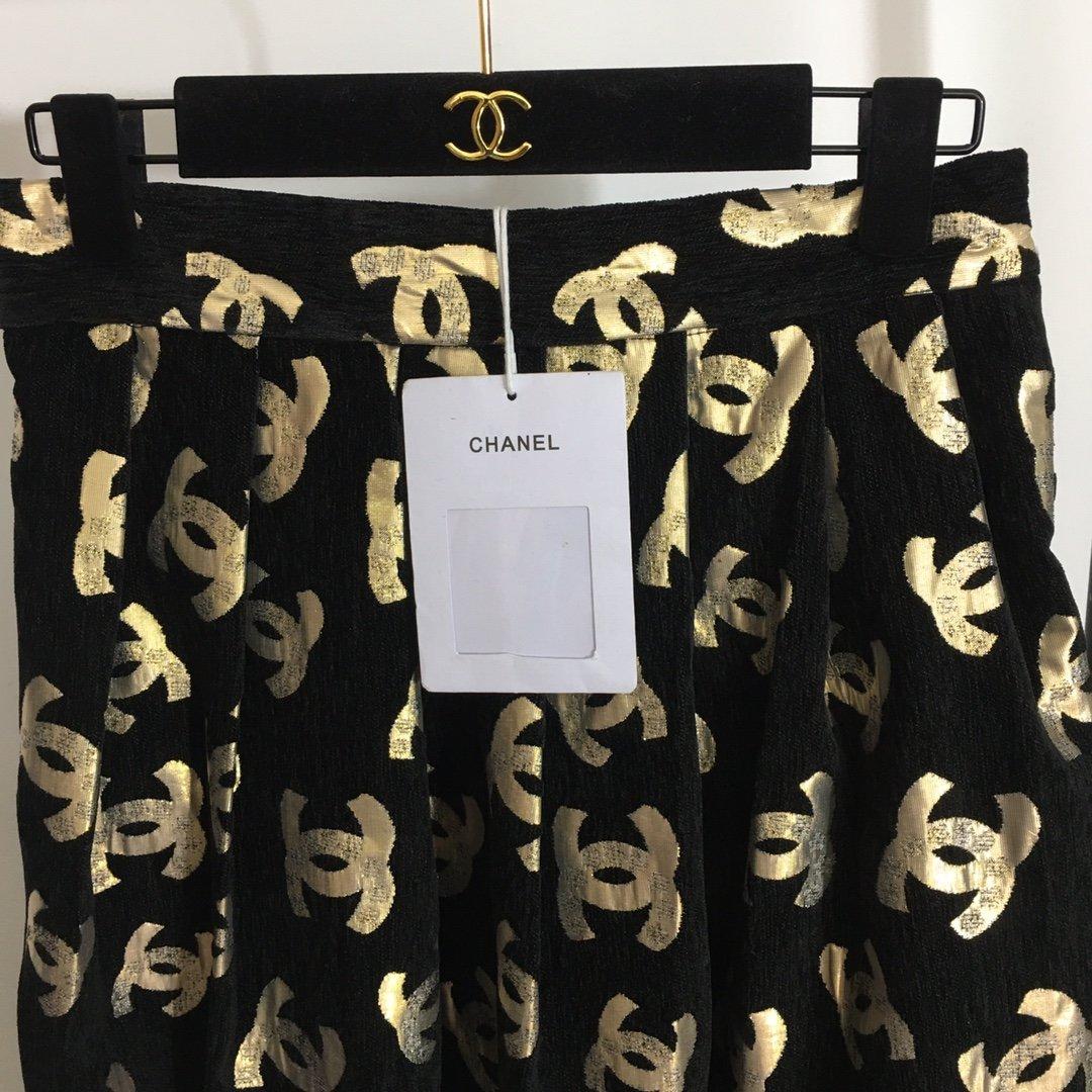 Chanel新款奢华金线小香logo