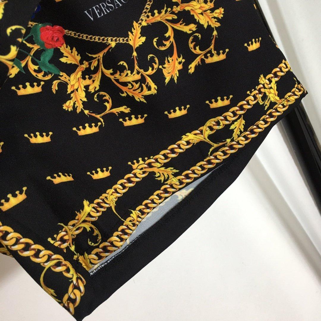 Versace新款复古花纹皇冠印花半