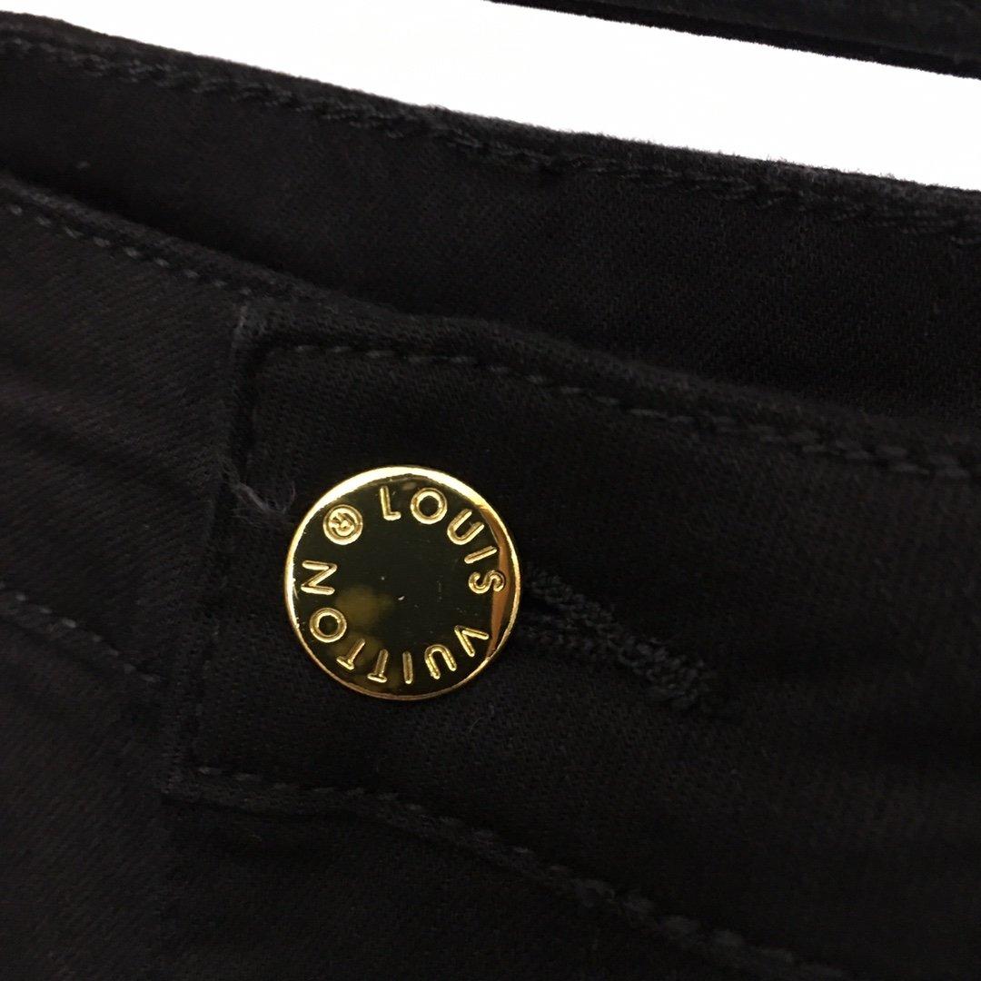 LV新款后背金线logo刺绣口袋修身