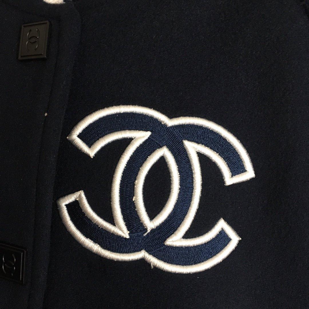 Chanel新款小香logo刺绣单排