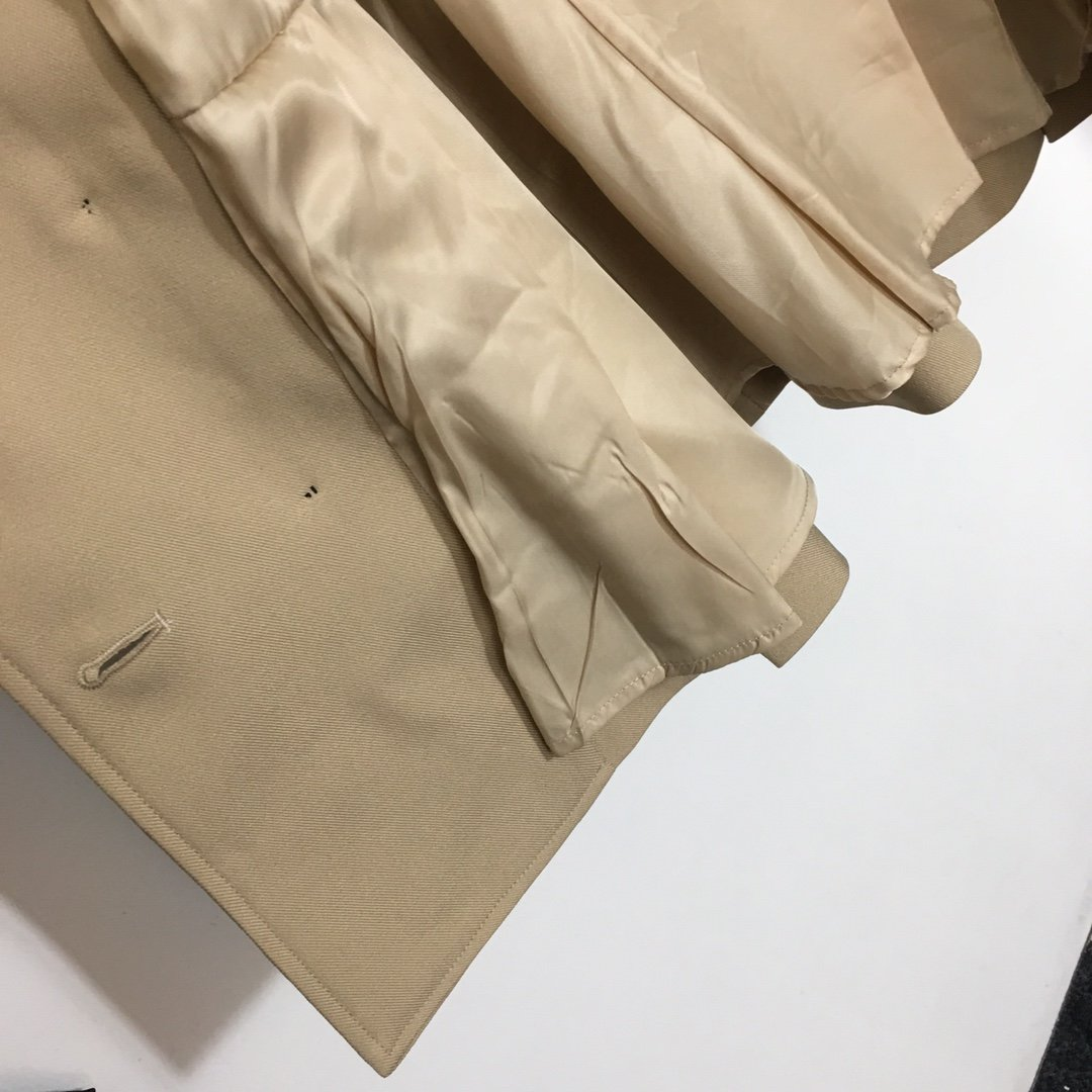 Prada新款时尚双排扣松紧腰带收腰