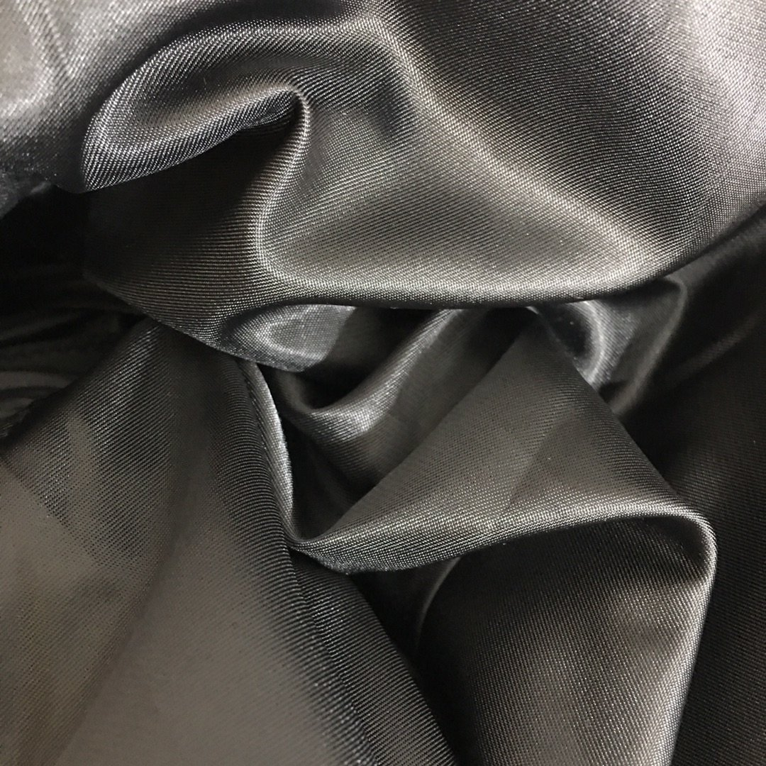 Prada新款金属三角标口袋高领棉服
