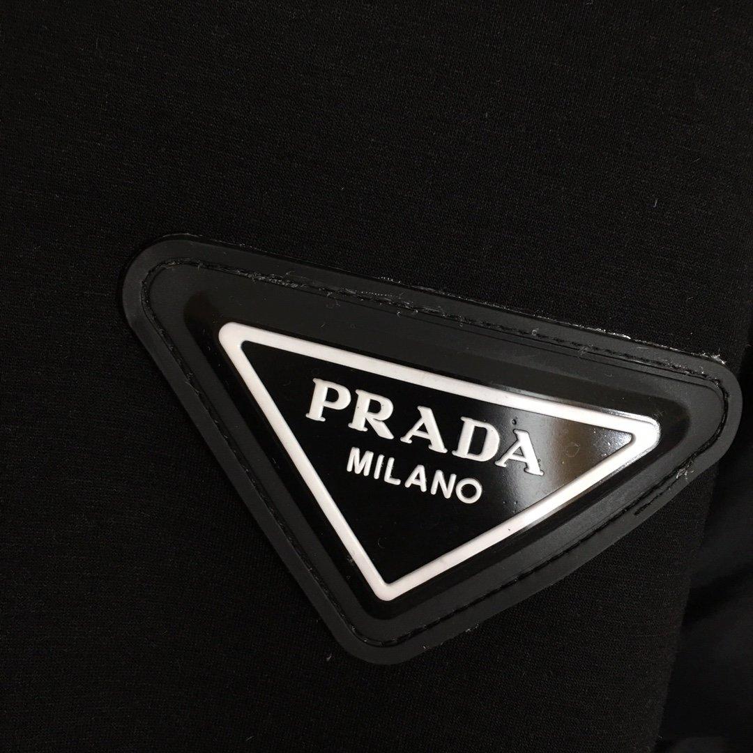 Prada新款胶皮logo三角标长袖
