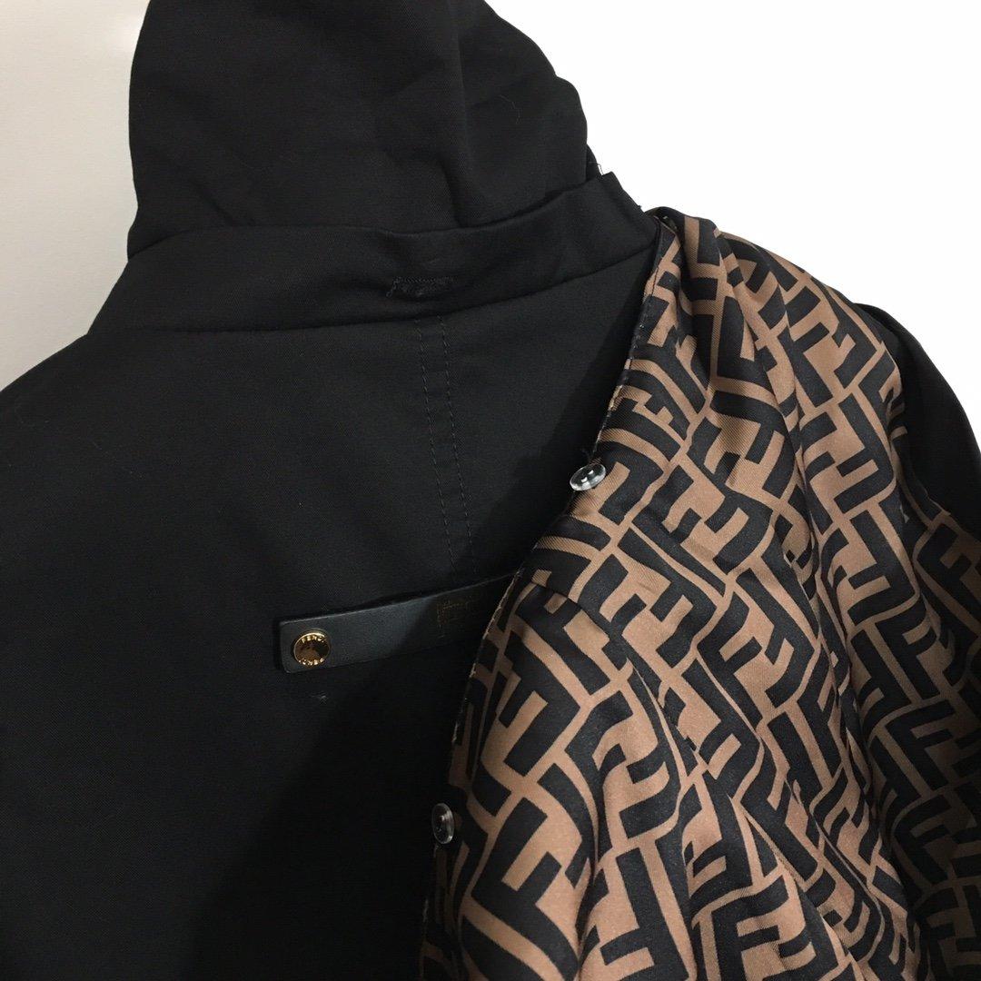 Fendi新款拼皮口袋腰带收腰长袖连