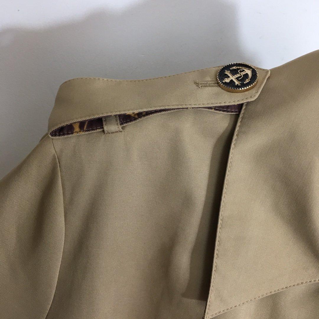 LV新款船锚双排扣系带收腰长袖风衣外