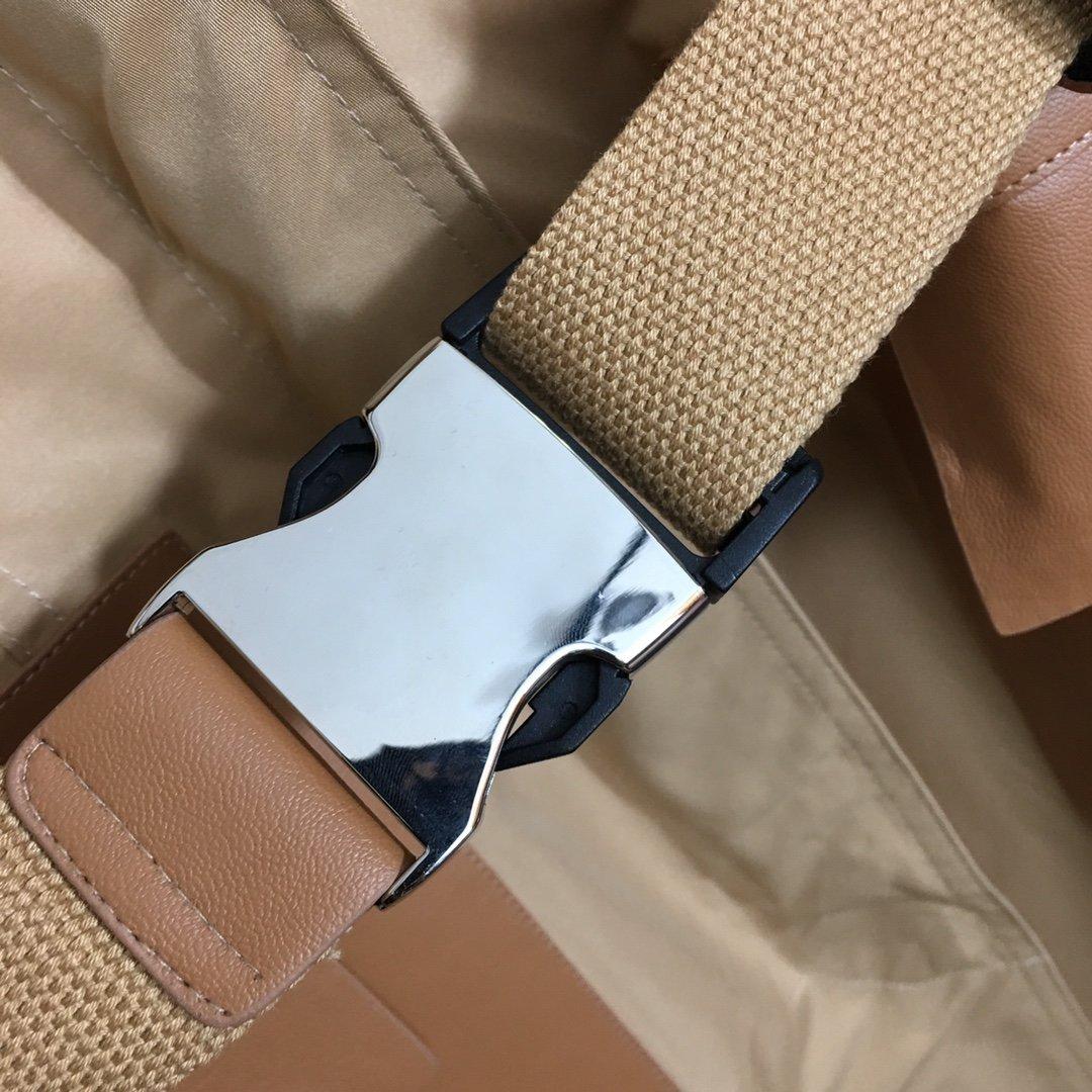 Fendi新款拼皮口袋腰带收腰翻领长