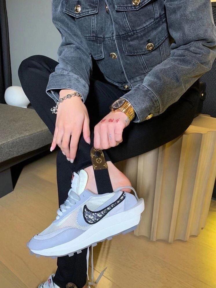 LV新款拉链口袋修身显瘦打底裤踩脚裤