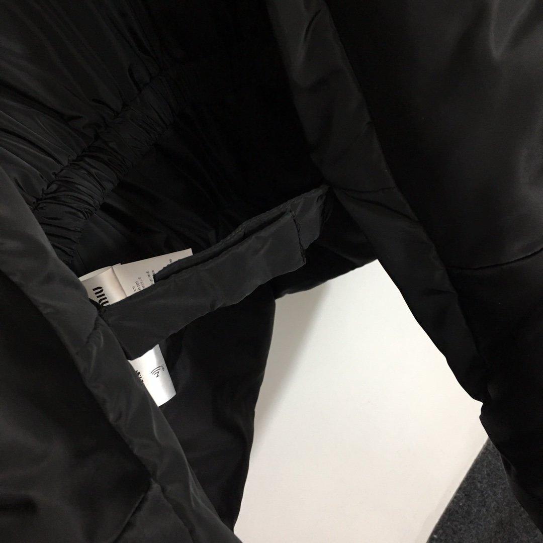 Miumiu新款松紧腰带收腰泡泡长袖