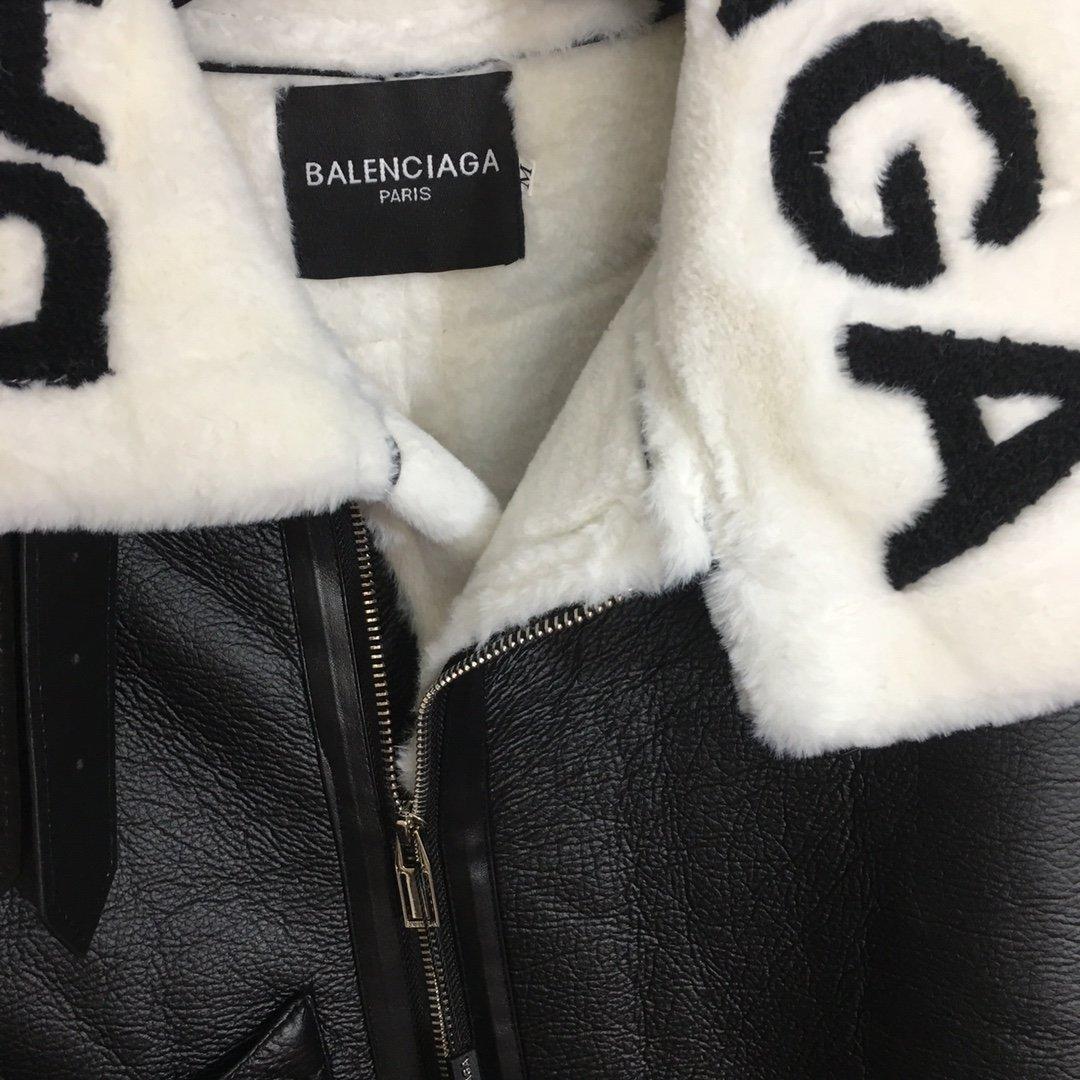 Balenciaga新款羊羔毛毛领拼