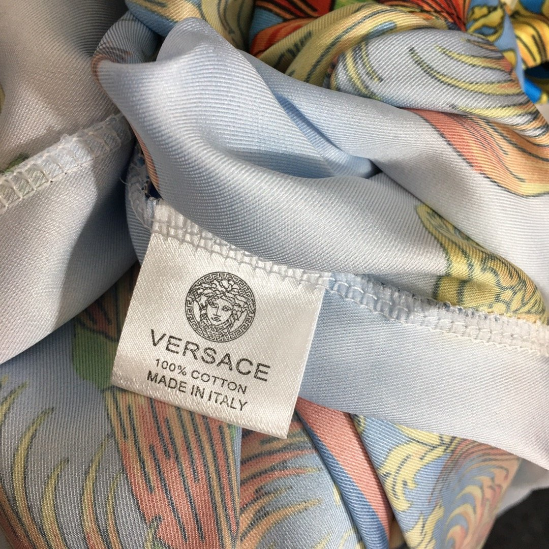 Versace新款美杜莎太阳复古花朵
