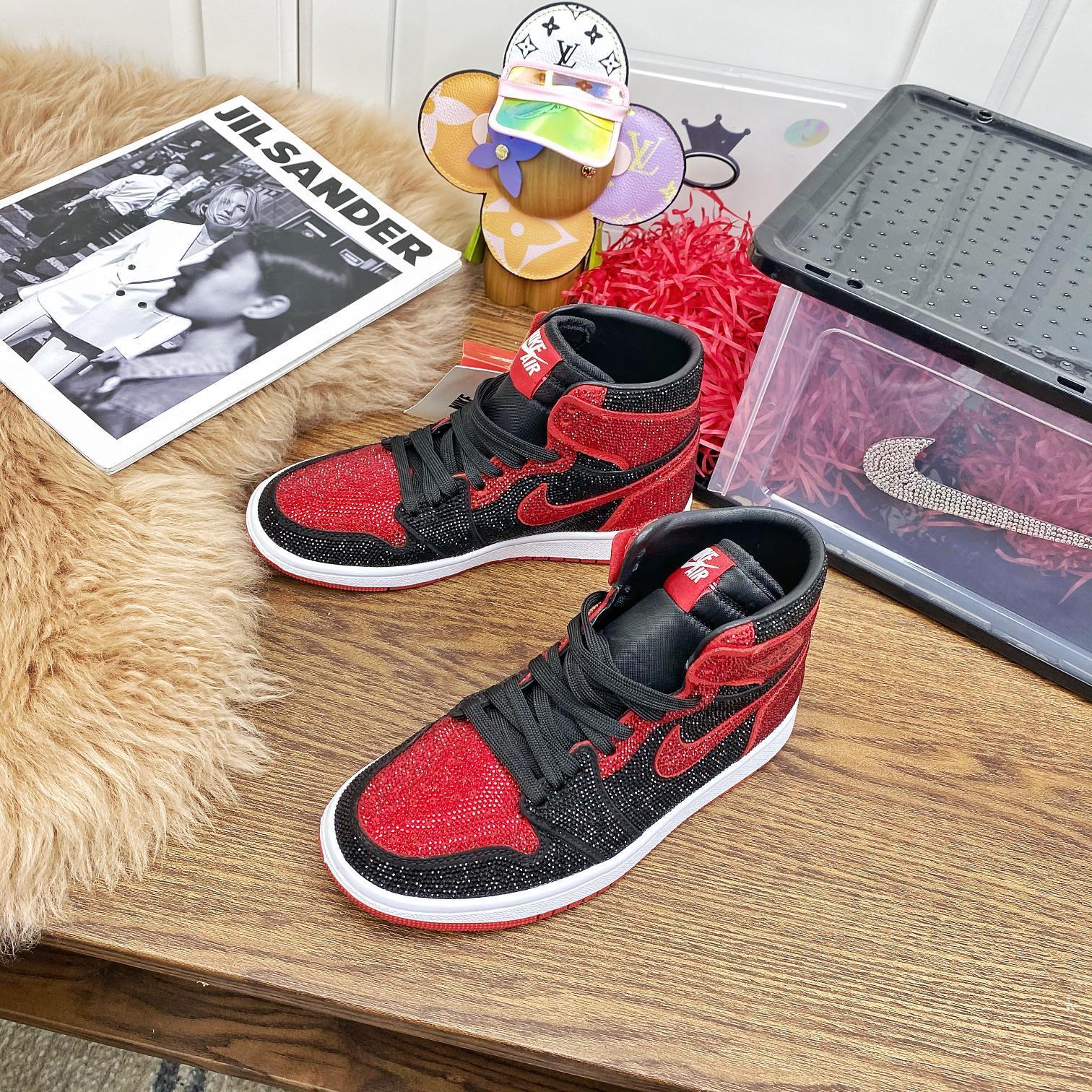 2020秋冬新款Air Jordan (情侣???? 款)
