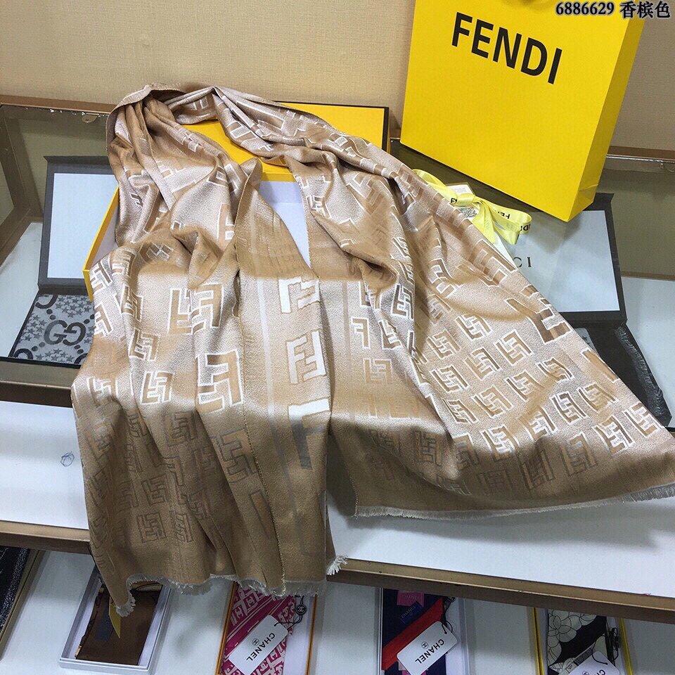 芬迪Fendi天丝棉提花围巾垂感特别