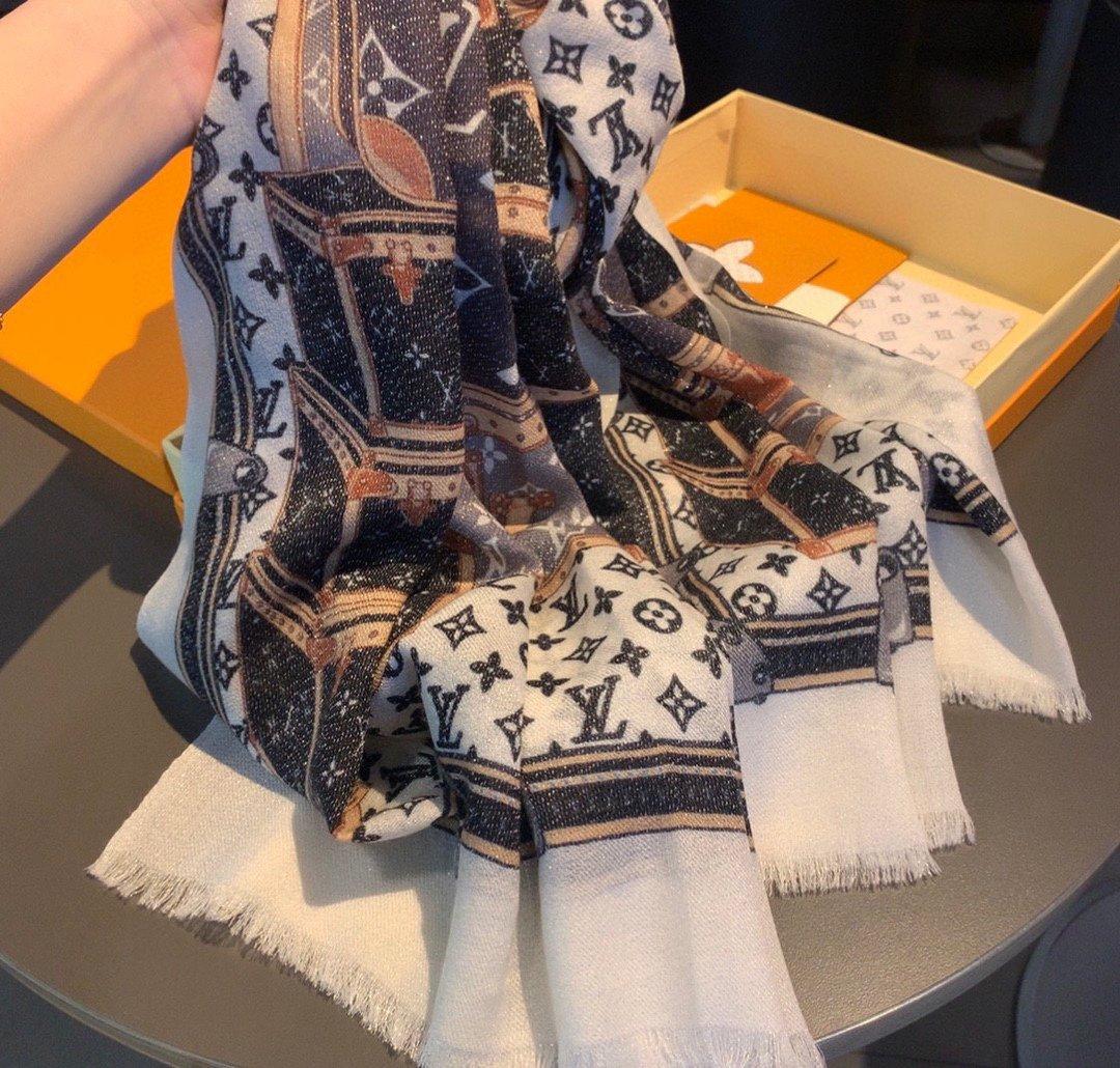 新款上专柜同步驴家新款亮片箱包长巾L