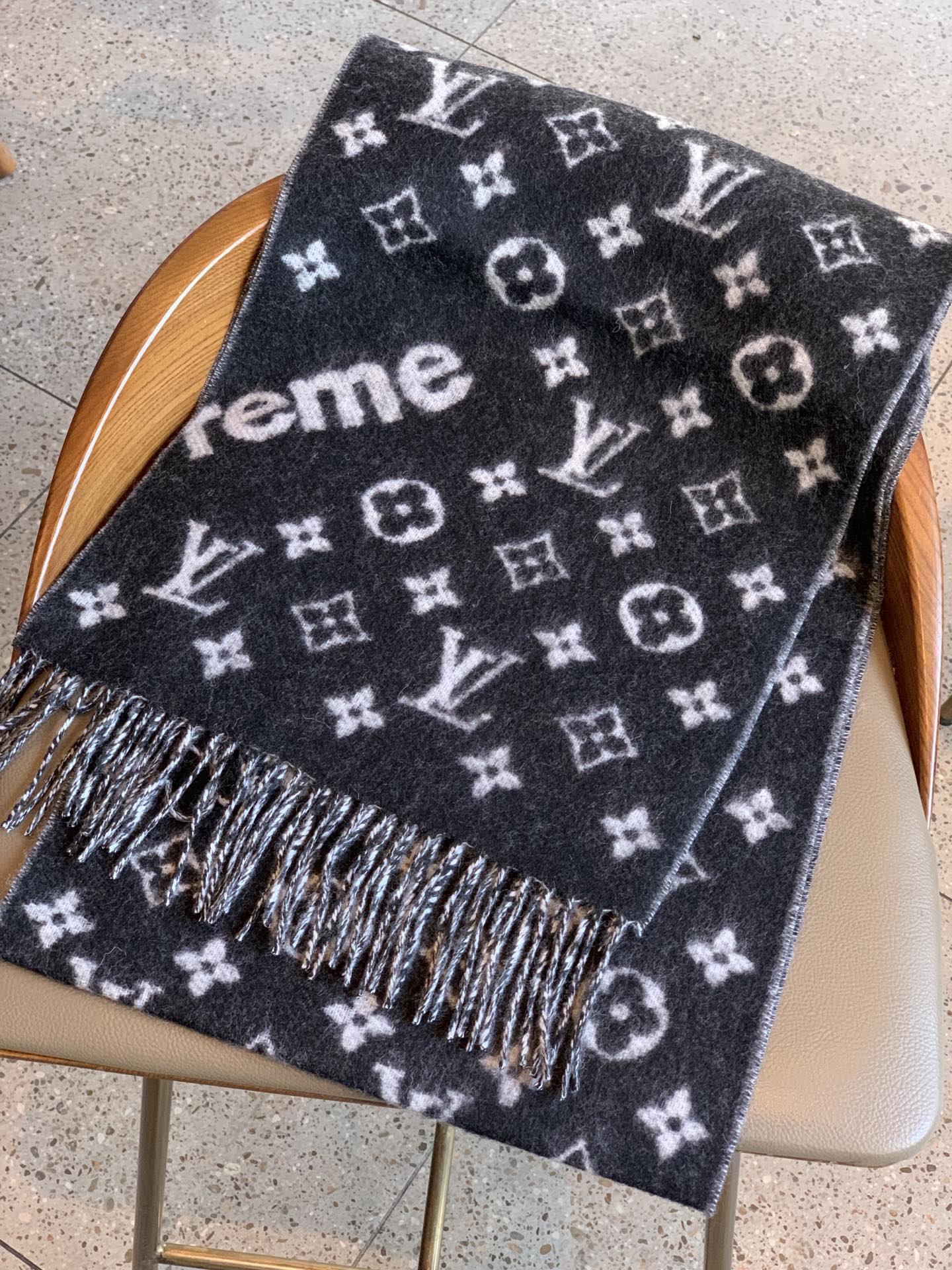 LV同步专柜最新款SUPREME羊绒