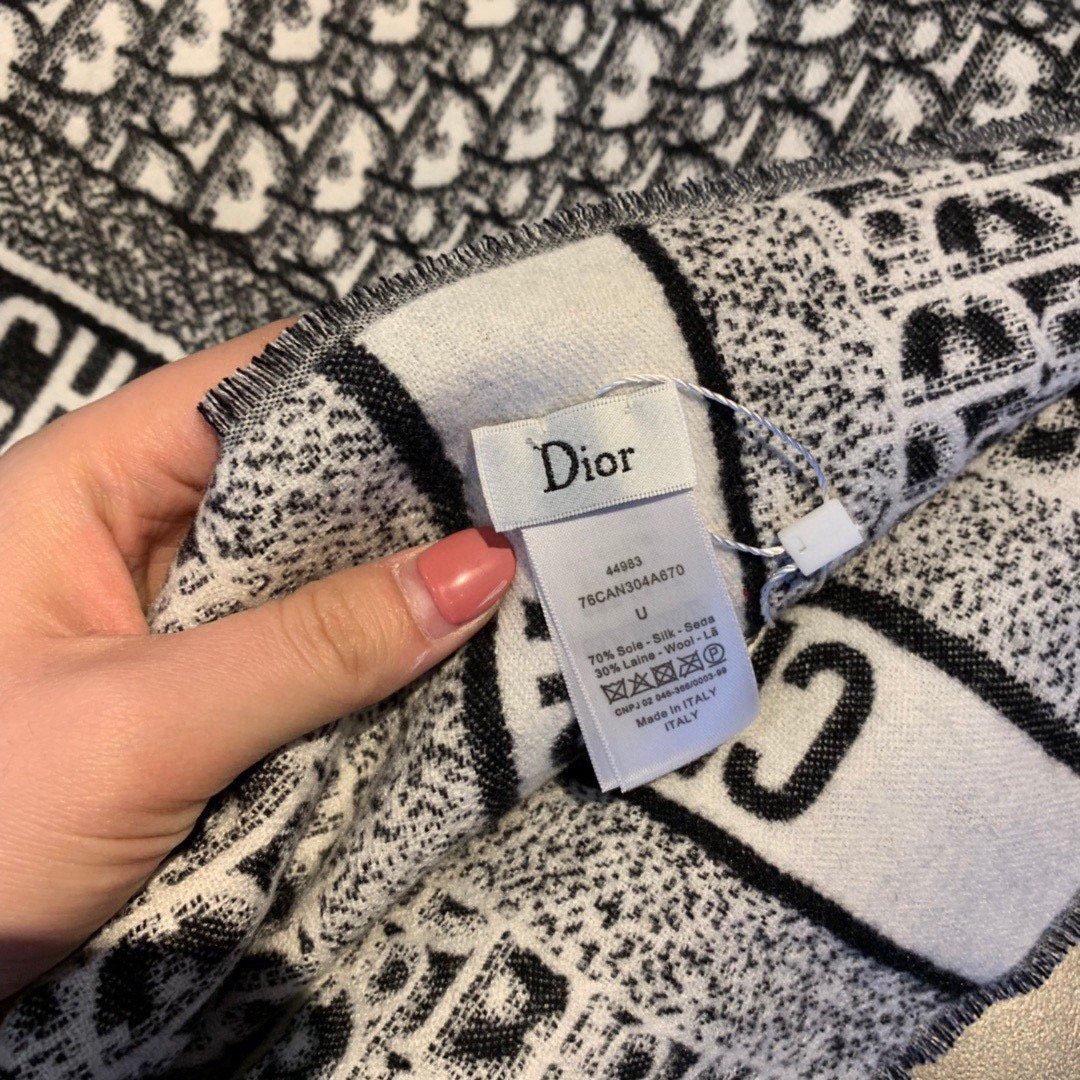 迪奥Dior明星同款围巾经典款永远不
