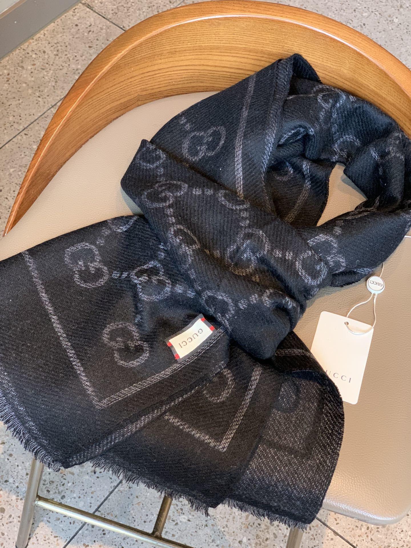 GUCCI经典双面围巾专柜全面上线十