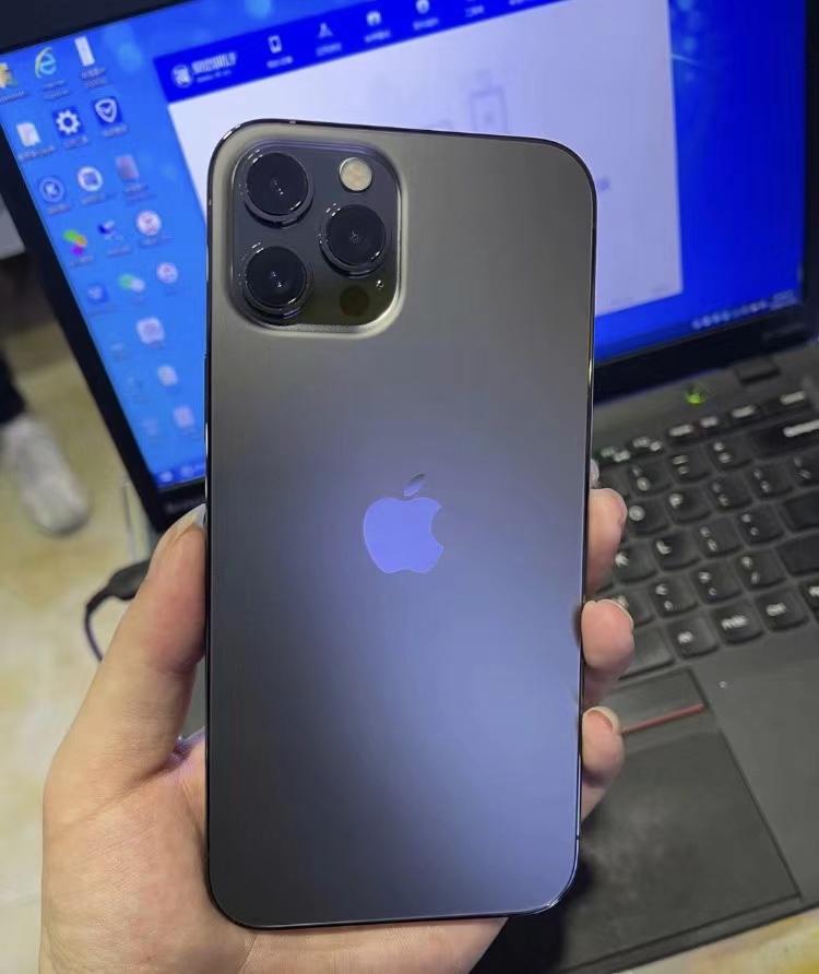 手机也能拍Zeiss Biotar!华强北仿造iPhone12Pro上手测评:全场景支持夜拍+拍摄成效色彩还原度极佳!