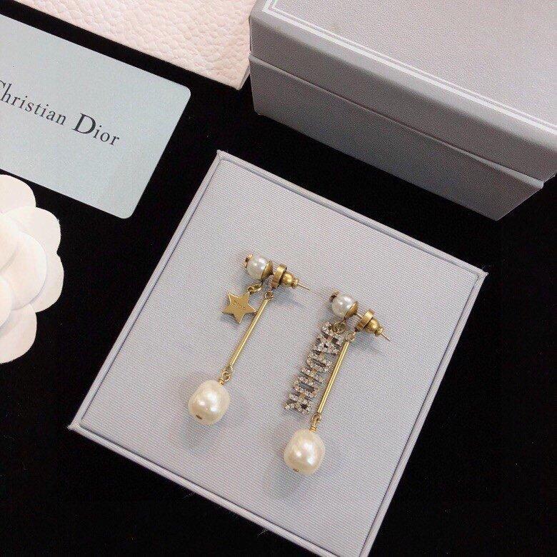 迪奥dior最新系列大小珍珠耳钉款采