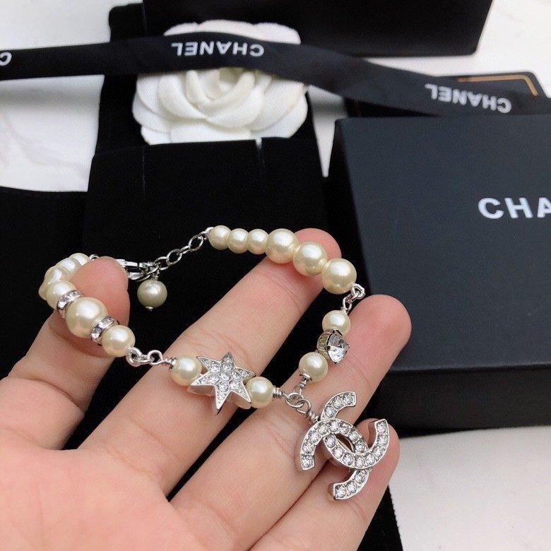 Chanel香奈儿经典双C珍珠手链原