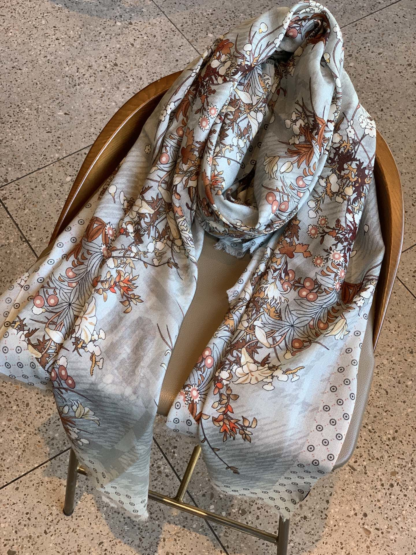 新品出货300支羊绒长巾G家唯美花色