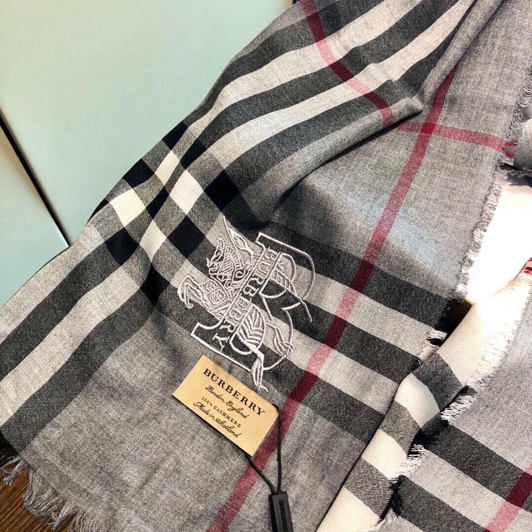 重点推荐巴宝莉法国专柜新货精美绣标优