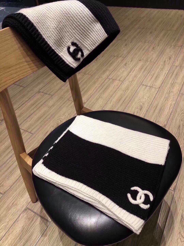 Chanel香奈儿双C拼色长巾最新力