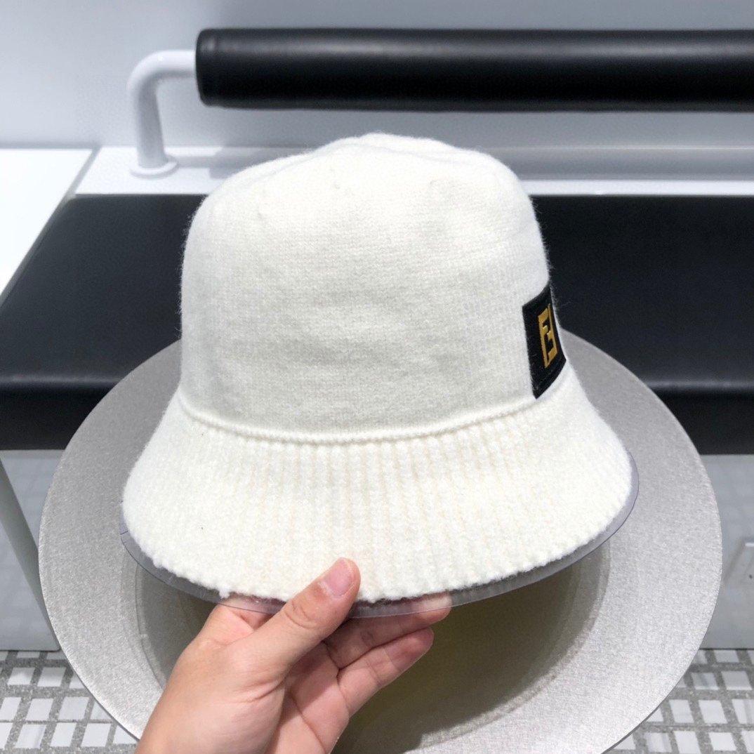 芬迪FENDI渔夫帽礼帽简约大方超级