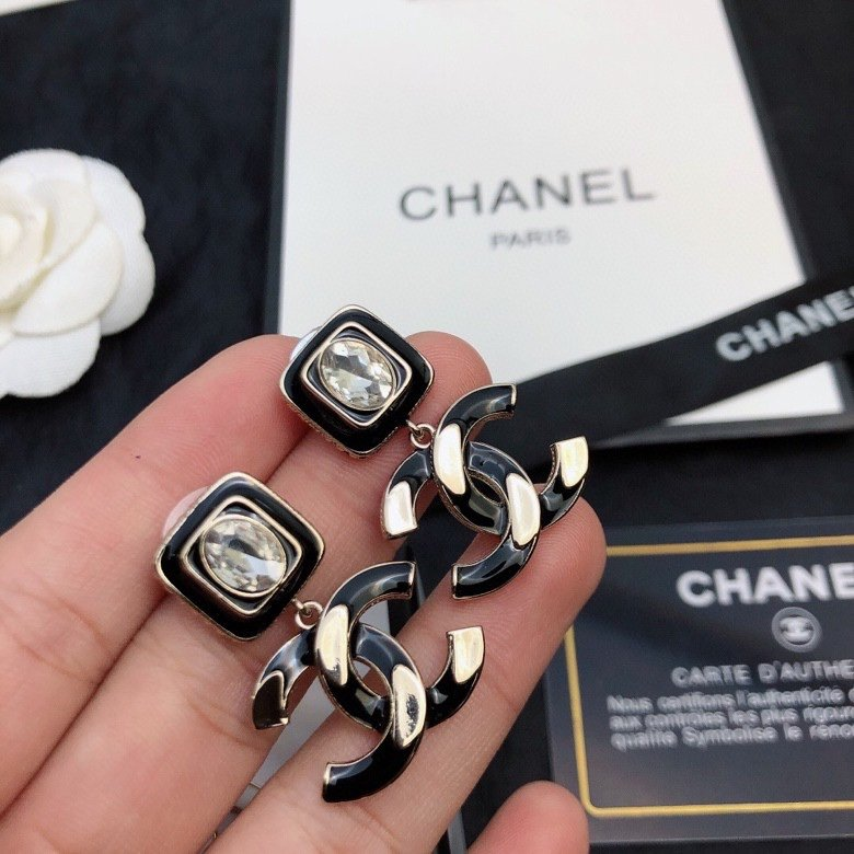 CHANEL小香标志耳钉精工产品专柜