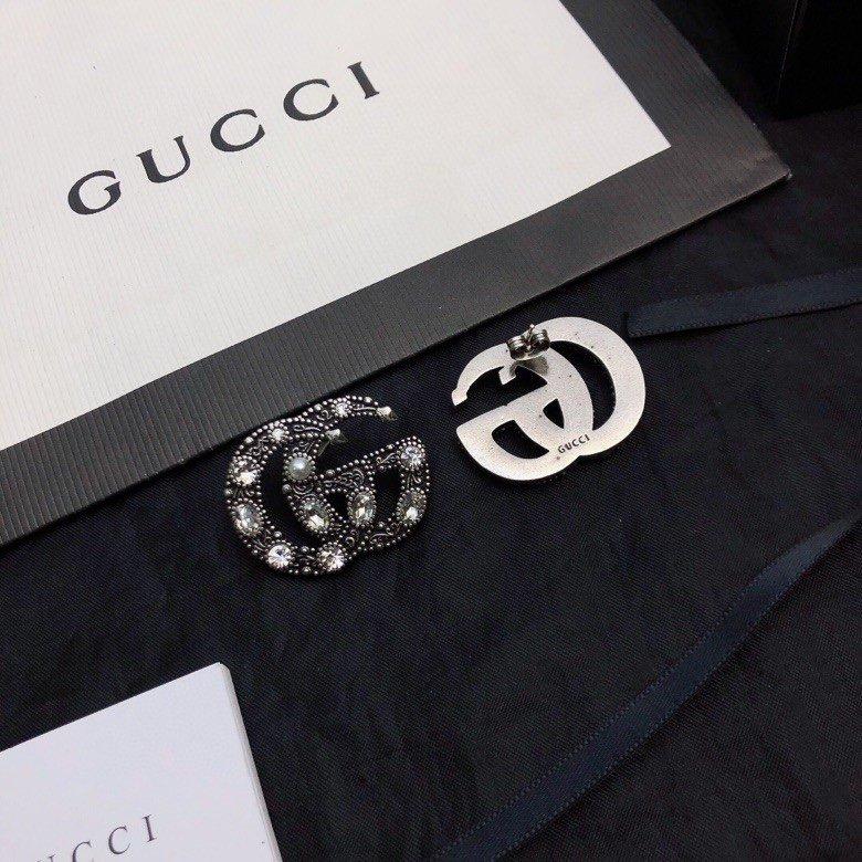 Gucci双G字母耳钉大方时尚火爆个
