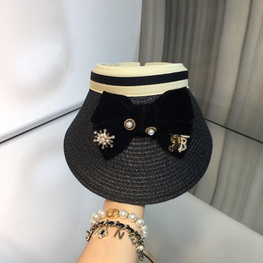 上新巴宝莉Burberry新品空顶帽