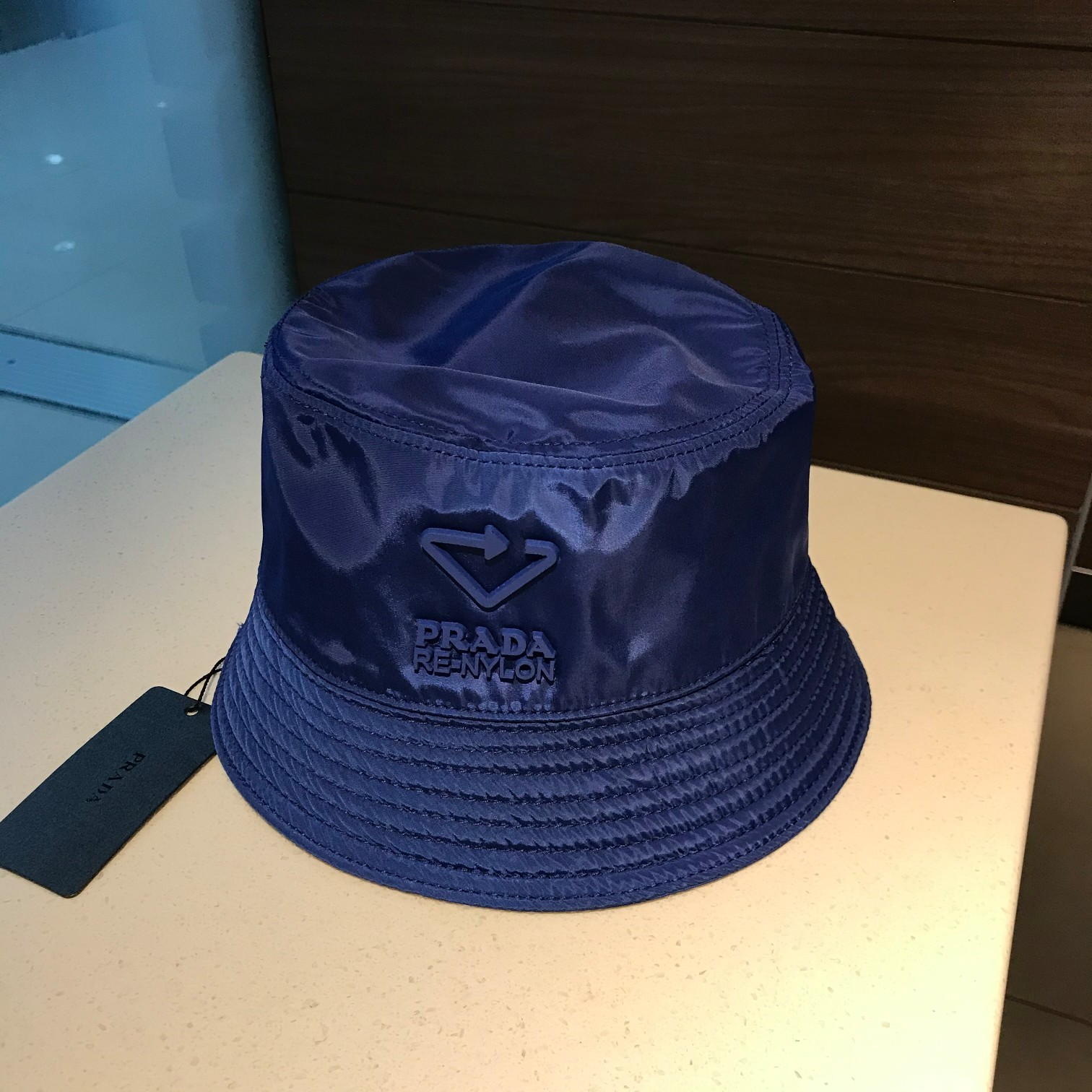 特批普拉达Prada新款渔夫帽正品开